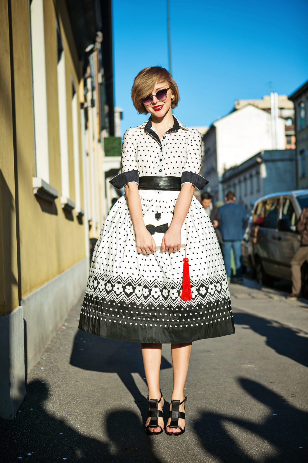 thecablook darya kamalova russian italian blogger street style short blonde hair mfw milan fashion week missoni roksana dress oksana ostrovskaya topshop black sandals book clutch-3