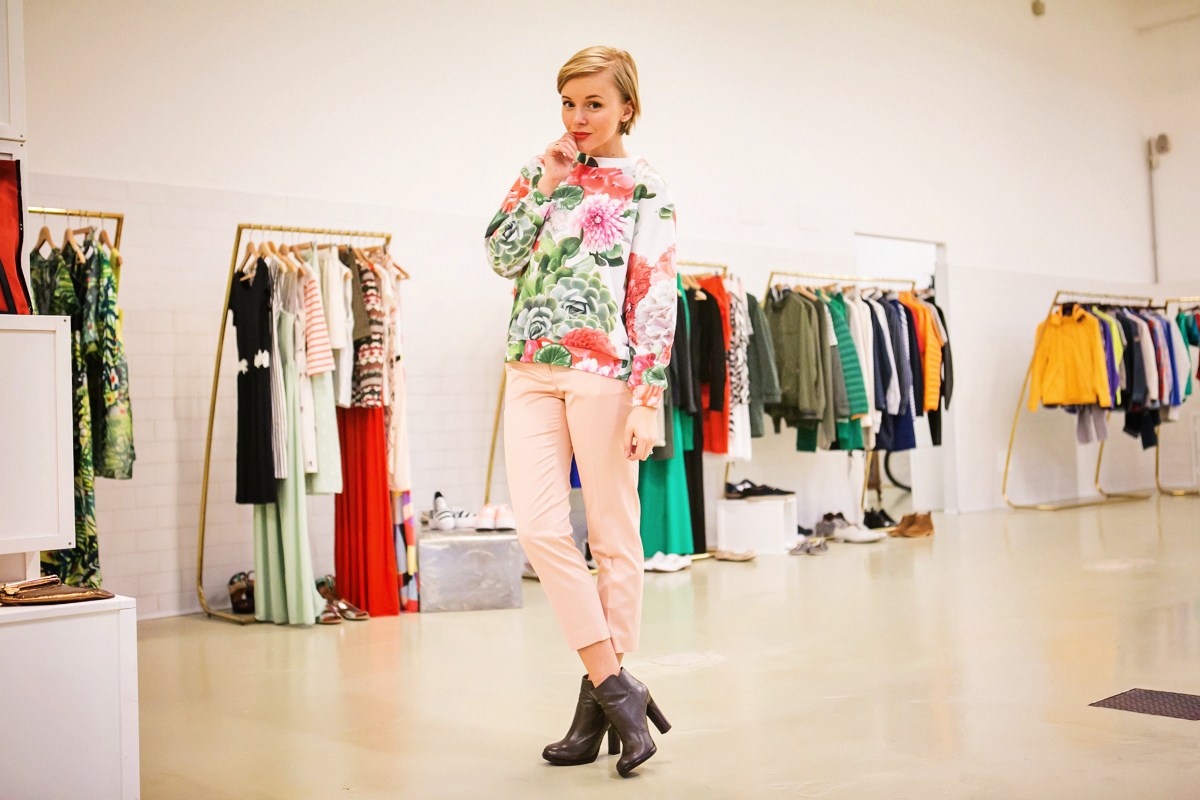 thecablook darya kamalova russian italian fashion blogger blonde short hair pixie cut street style milan fashion week mfw ports chicca lualdi givenchy pandora tory burch booties francesco scognamiglio fashion show cheap monday jeans-169