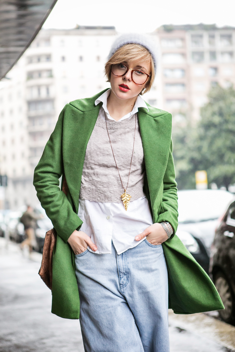 thecablook darya kamalova russian italian fashion blogger blonde short hair pixie cut street style milan fashion week mfw ports chicca lualdi givenchy pandora tory burch booties francesco scognamiglio fashion show cheap monday jeans-94
