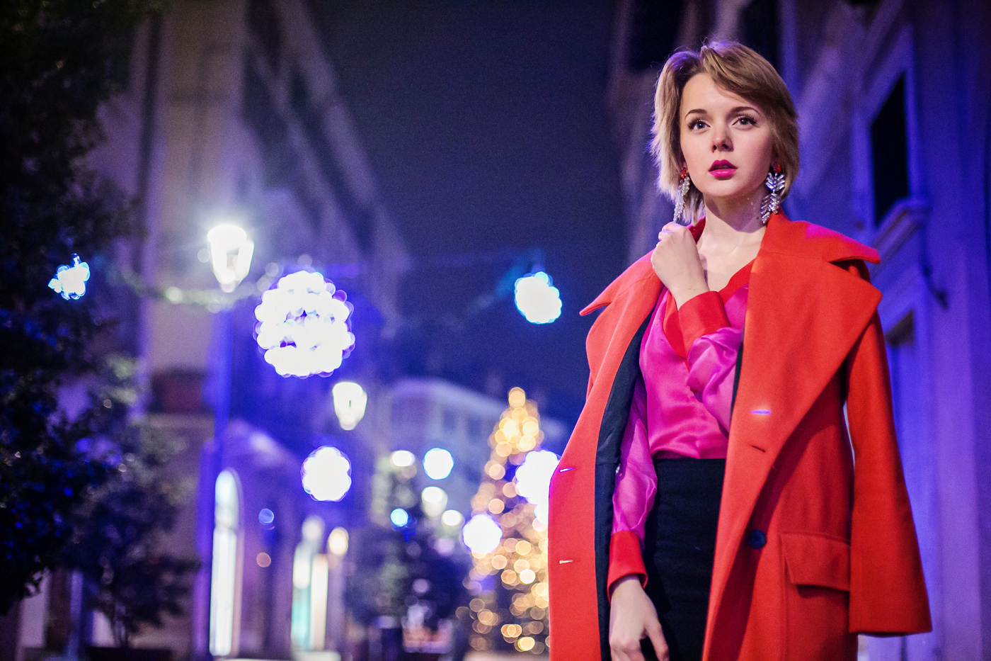 darya kamalova thecablook russian italian fashion bogger street style trend high waist skirt big earings asos maison academia blouse dvf diane von furstenberg circle bag long red coat guess black heels-18 copy