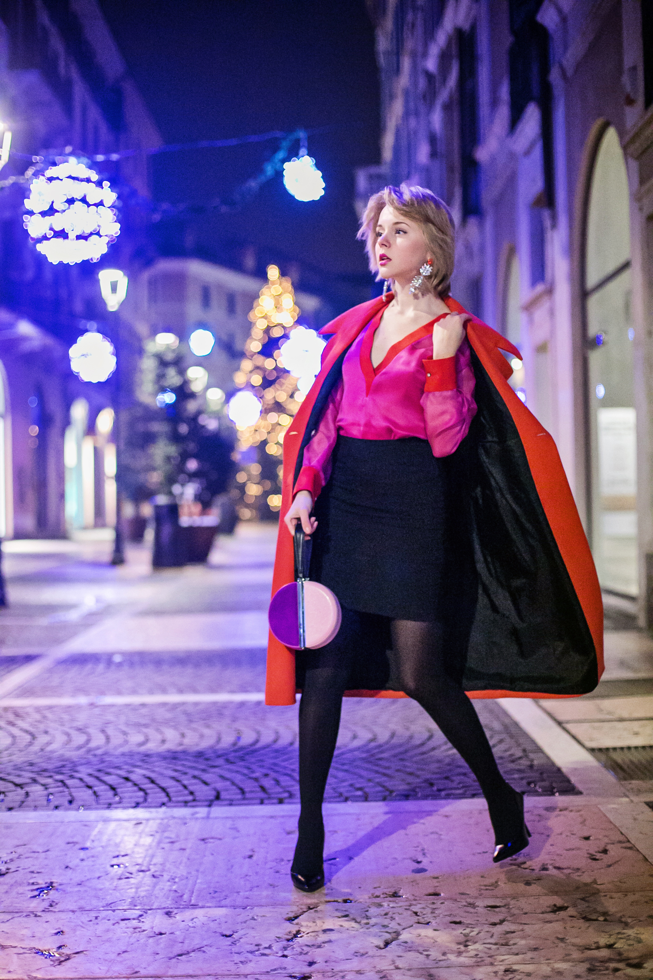 darya kamalova thecablook russian italian fashion bogger street style trend high waist skirt big earings asos maison academia blouse dvf diane von furstenberg circle bag long red coat guess black heels-20 copy