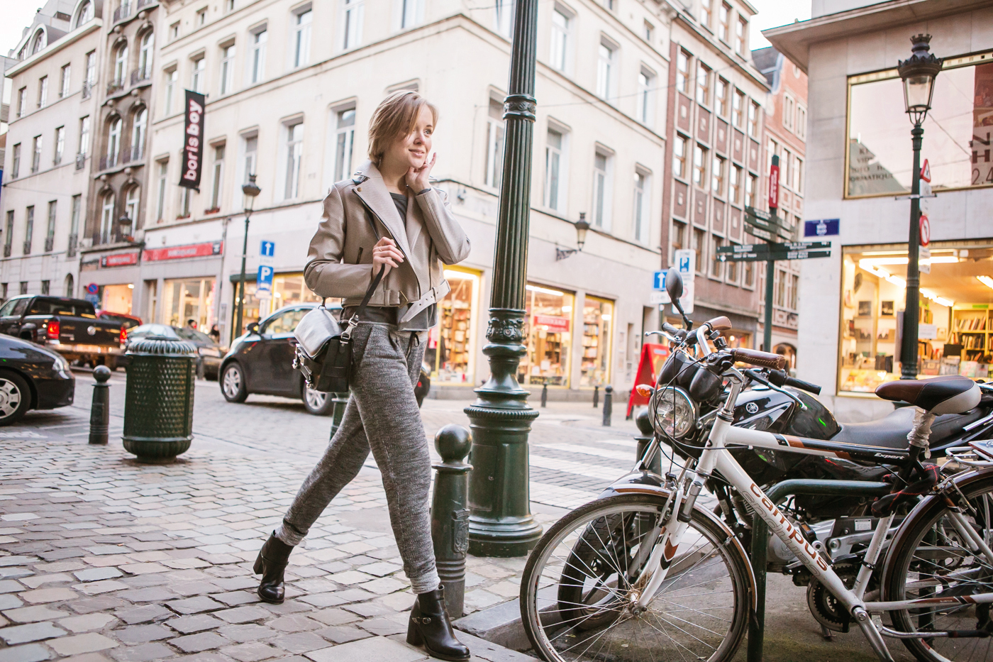 darya kamalova from thecablook com goes to belgium brussels charleroi wears proenza schouler ps11 bag and total grey outfit-38 copy