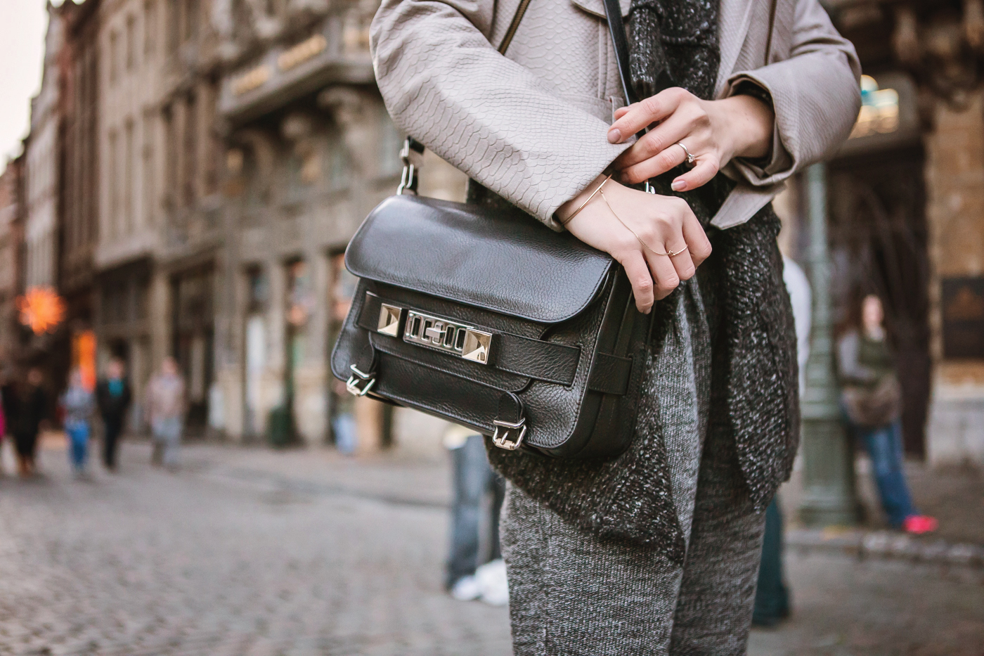 darya kamalova from thecablook com goes to belgium brussels charleroi wears proenza schouler ps11 bag and total grey outfit-40 copy