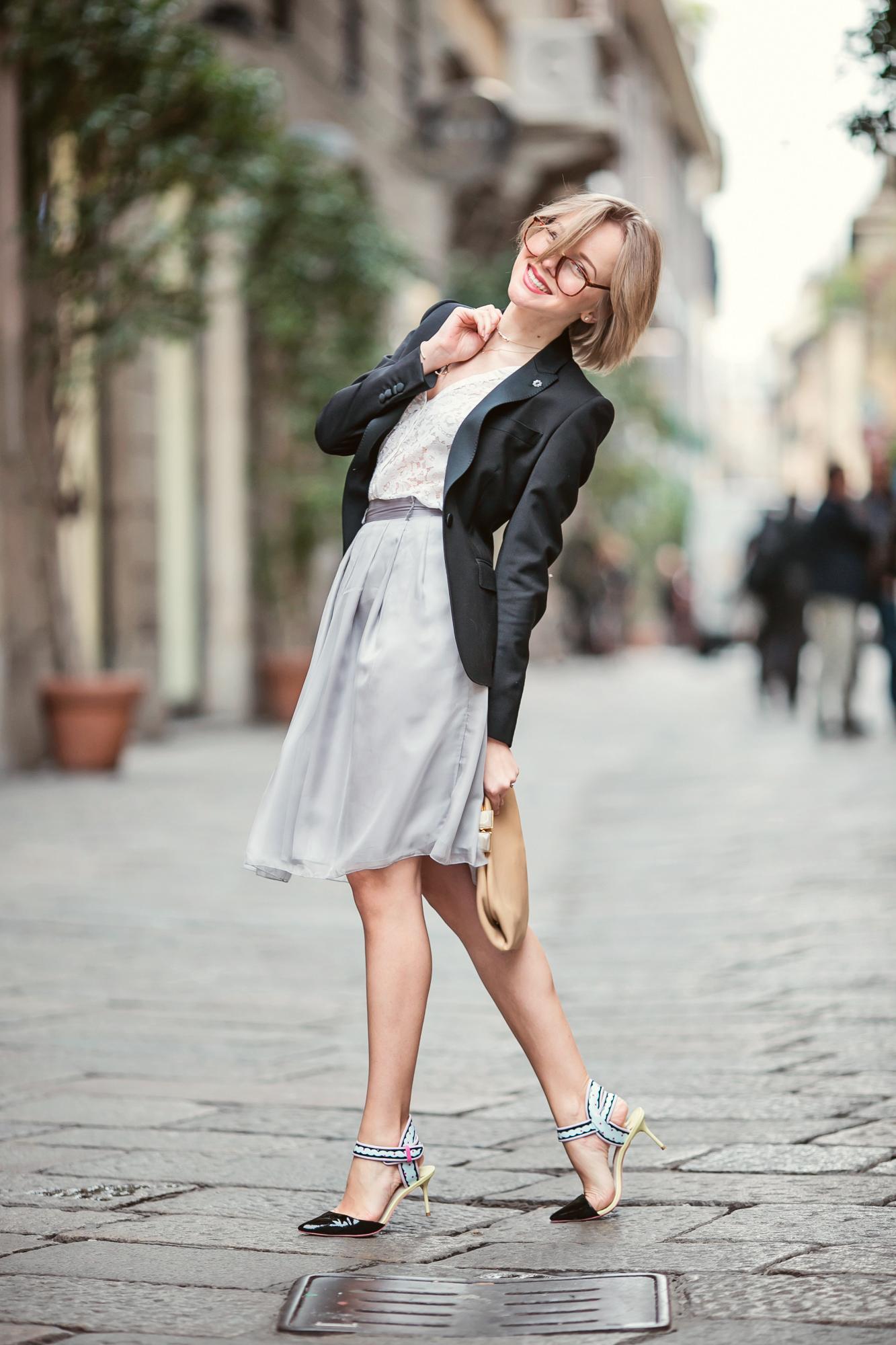 darya kamalova from thecablook com on lardini presentation in Milan and in attila showroom wearing lardini perfect black jacket with marni retro clutch and sophia webster kitten heels-40 copy