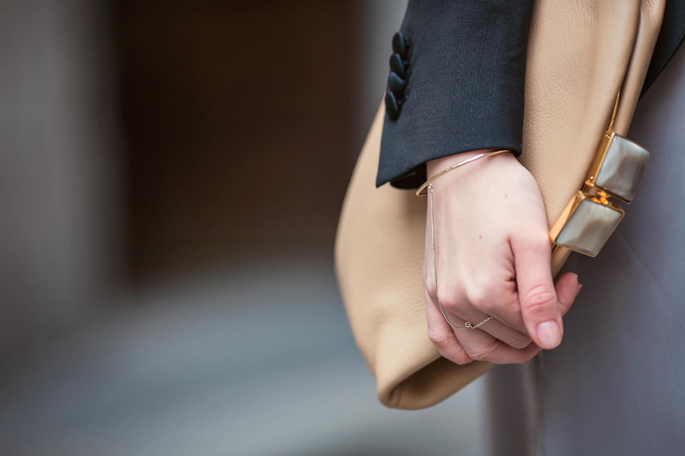 darya kamalova from thecablook com on lardini presentation in Milan and in attila showroom wearing lardini perfect black jacket with marni retro clutch and sophia webster kitten heels-51 copy