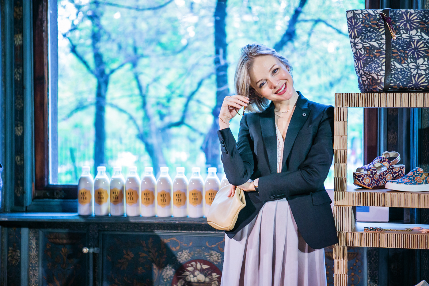 darya kamalova from thecablook com on lardini presentation in Milan and in attila showroom wearing lardini perfect black jacket with marni retro clutch and sophia webster kitten heels-81