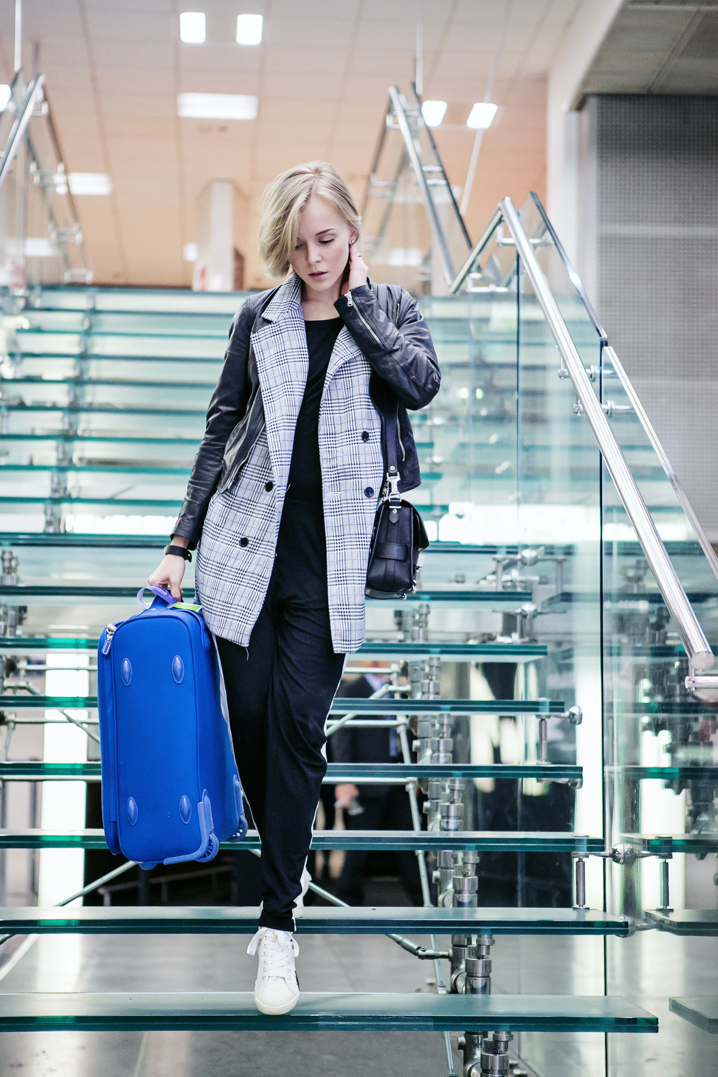 darya kamalova russian italian fashion blogger from thecablook com is wearing asos cotton pants, baldinini black leather biker jacket, be&d heel sneakers and ps11 proenza schouler bag-3 copy
