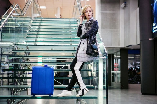 darya kamalova russian italian fashion blogger from thecablook com is wearing asos cotton pants, baldinini black leather biker jacket, be&d heel sneakers and ps11 proenza schouler bag-8 copy
