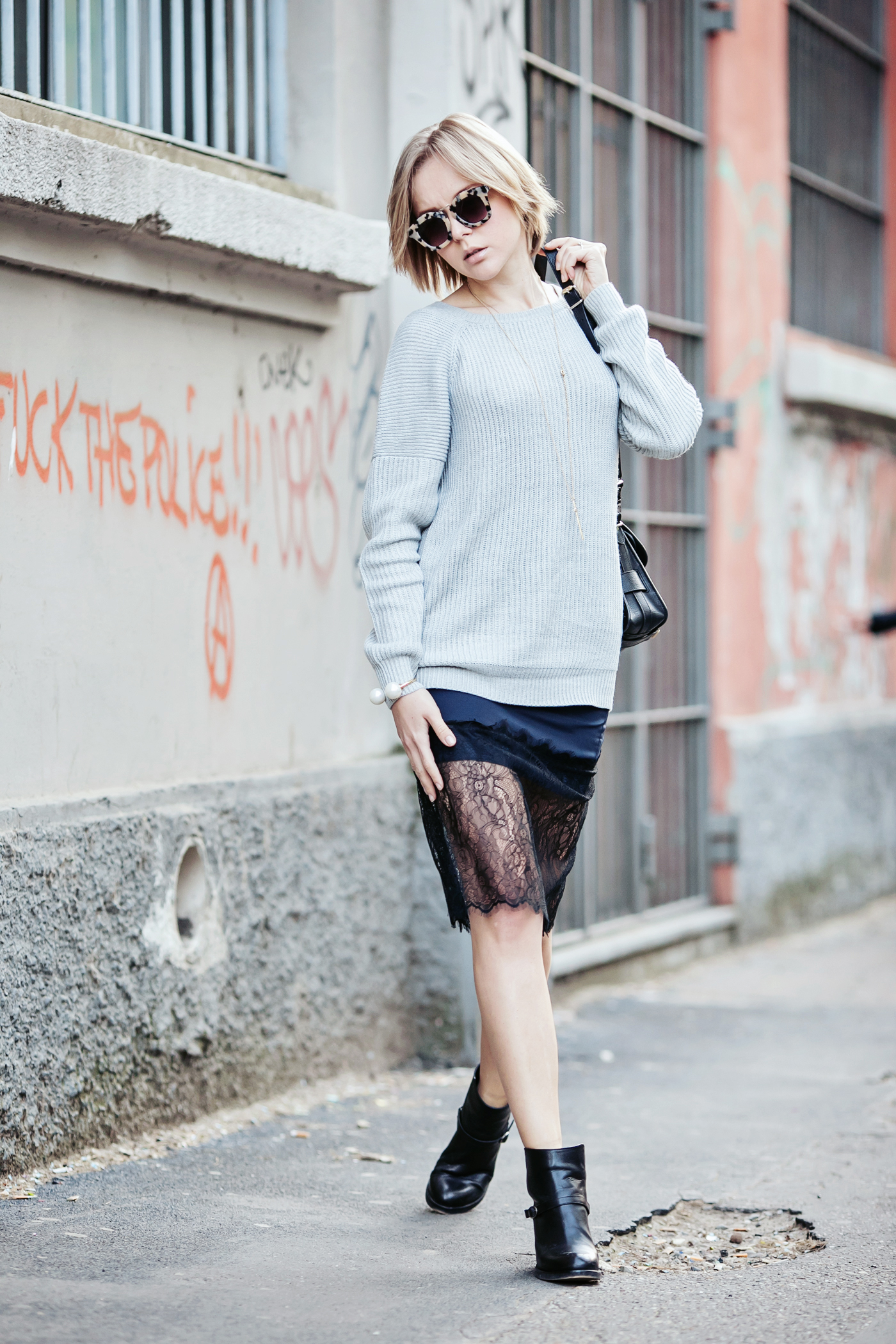 darya kamalova russian italian fashion blogger from thecablook com is wearing asos lace skirt with grey vila sweater and ps11 proenza schouler bag in milan-10 copy