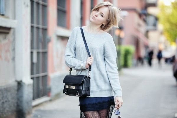darya kamalova russian italian fashion blogger from thecablook com is wearing asos lace skirt with grey vila sweater and ps11 proenza schouler bag in milan-19 copy