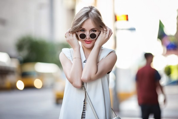 darya kamalova a fashion blogger from thecablook is wearing zara striped long dress with white sleeveless jacket and gucci disco soho bag in white leather-22