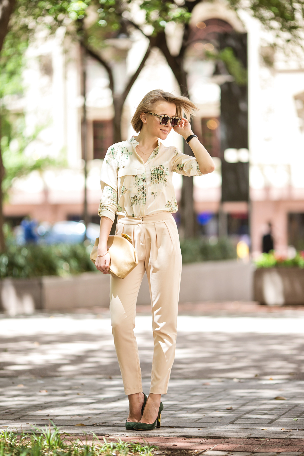 darya kamalova from thecablook in dallas texas is wearing beige pants and beige shirt with green leaves with marni retro ctutch and asos handmade sunglasses-2 copy