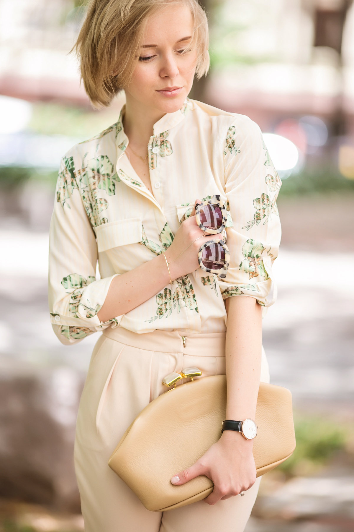 darya kamalova from thecablook in dallas texas is wearing beige pants and beige shirt with green leaves with marni retro ctutch and asos handmade sunglasses-24
